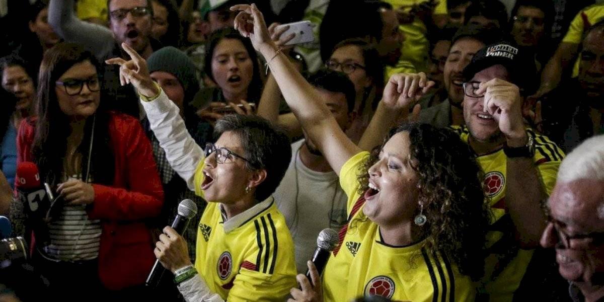 Primera alcaldesa electa en Bogotá se casa con su novia