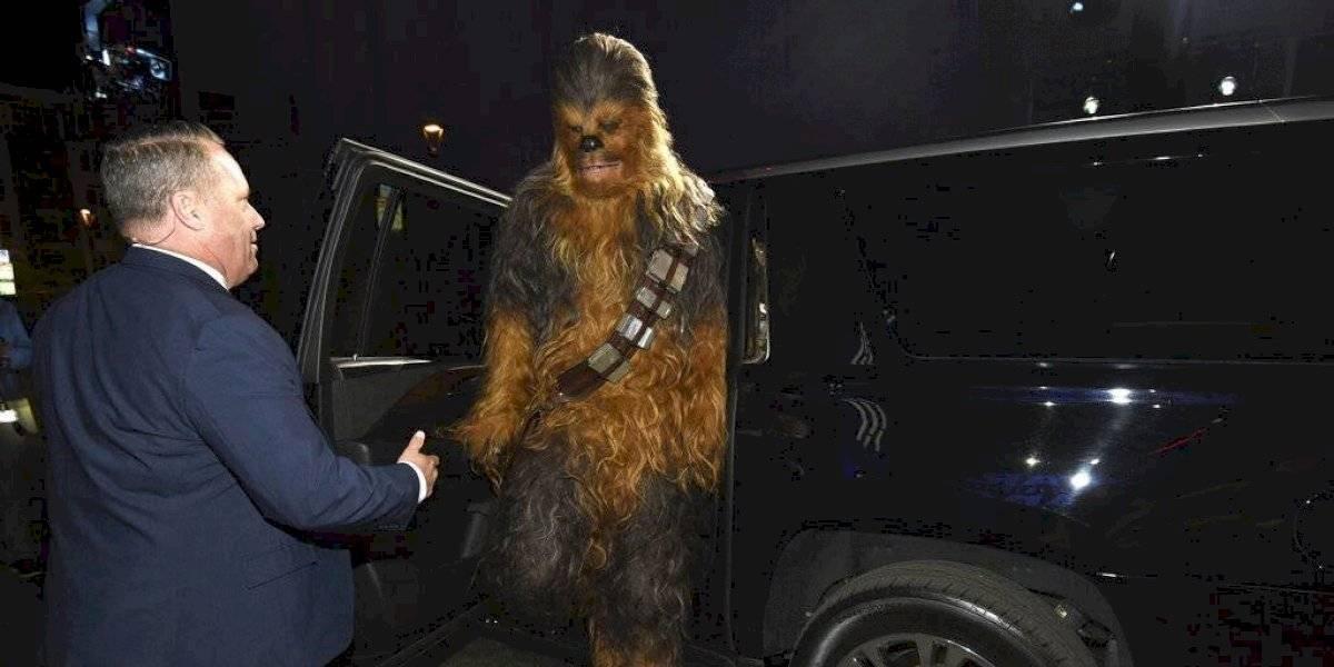 Homenajes, ovación y estrellas en el estreno de Star Wars