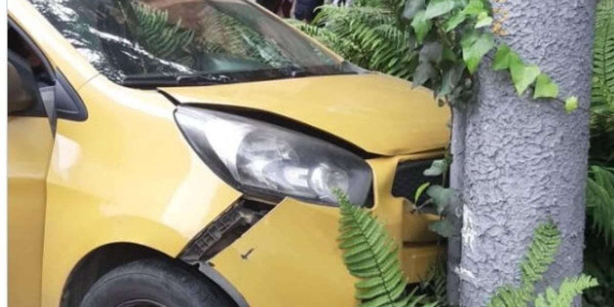 Muere conductor de taxi luego de estrellarse contra una buseta en el norte de Bogotá