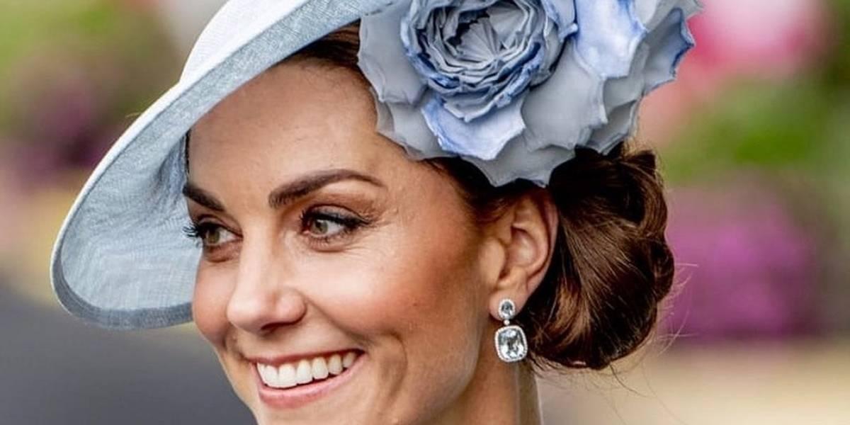 Kate Middleton luce aretes de perlas prestados por la Reina Isabel II
