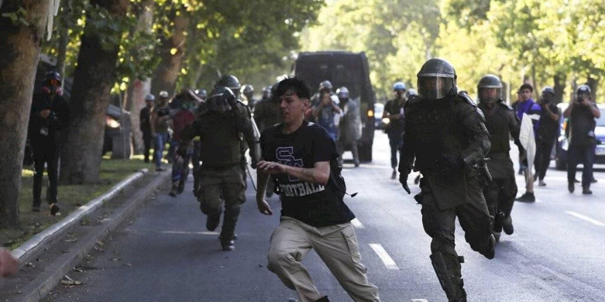 Chilenos siguen en espera de mejoras a 60 días de revueltas