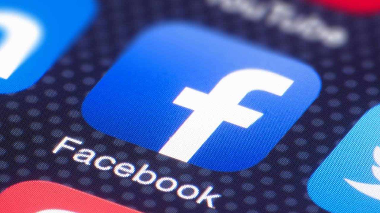 Usuarios reportan problemas en la aplicación — Facebook