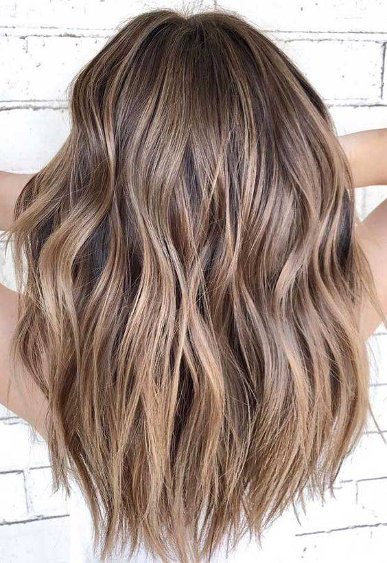 colores de cabello para piel apiñonada