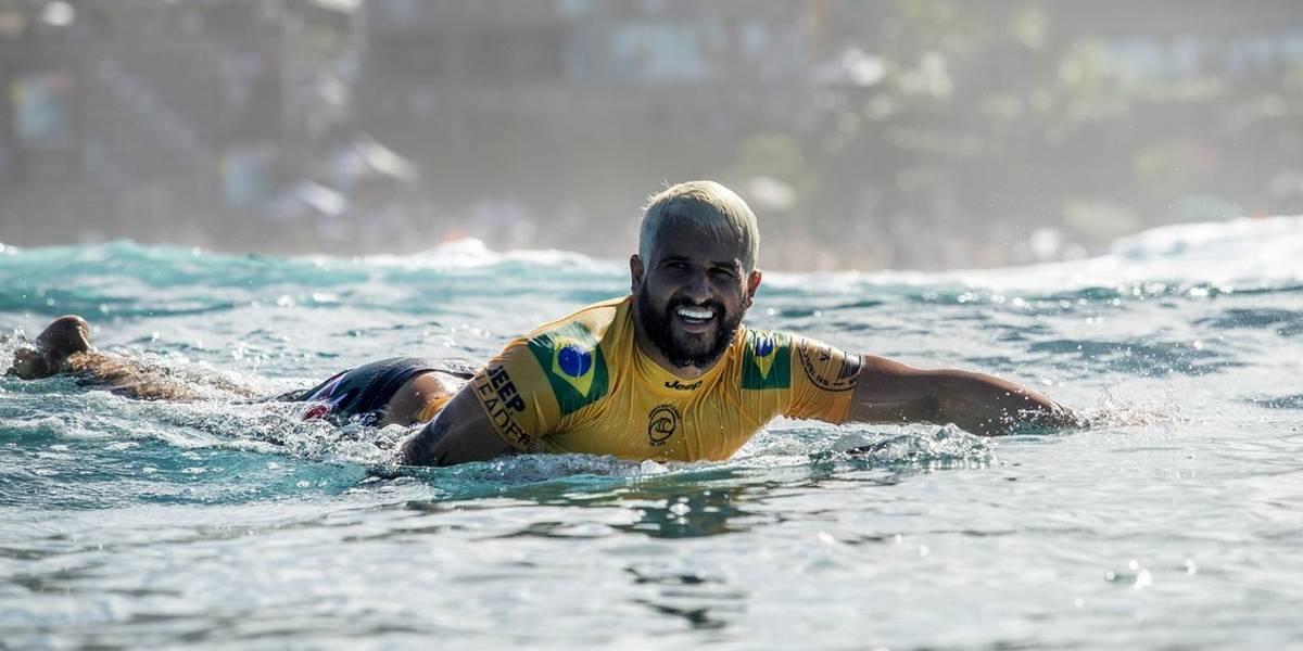 Brasileiros disputam o título do Circuito Mundial de Surfe