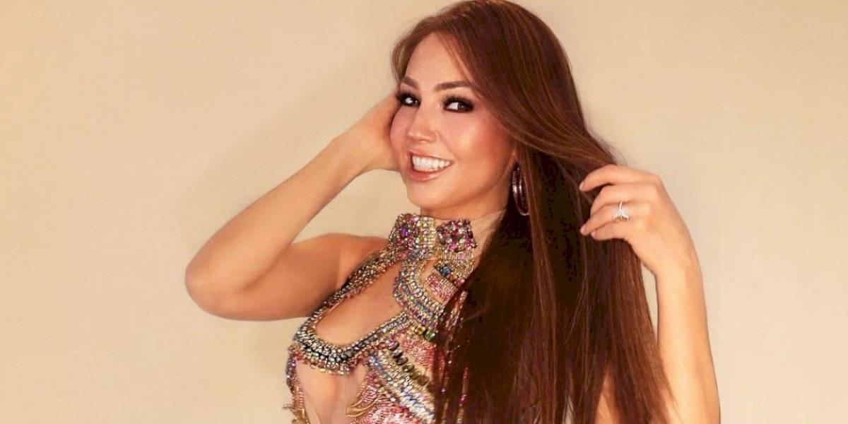 VIDEO: Thalía por fin muestra la costilla que se quitó