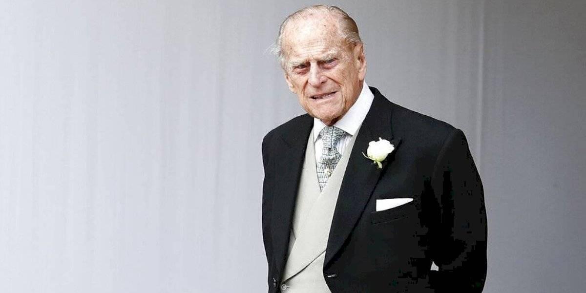 Hospitalizan al príncipe Felipe a sus 98 años