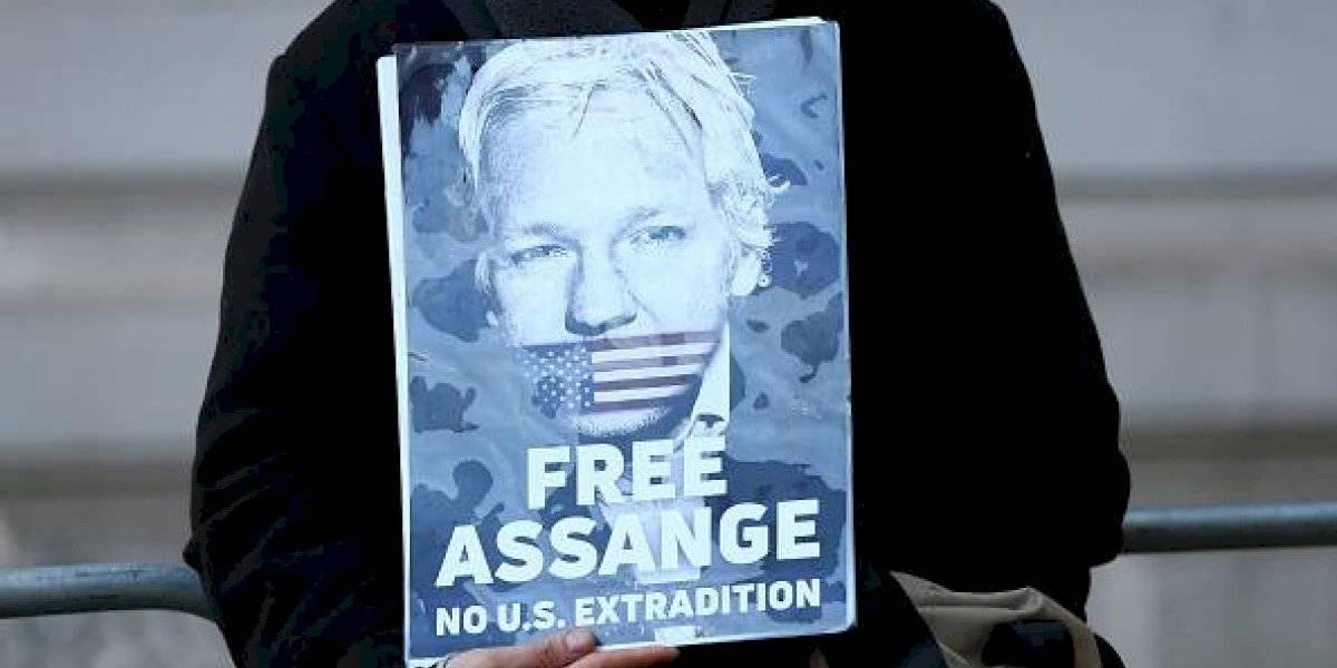 Assange asegura que fue espiado en la Embajada de Ecuador y apunta a EEUU