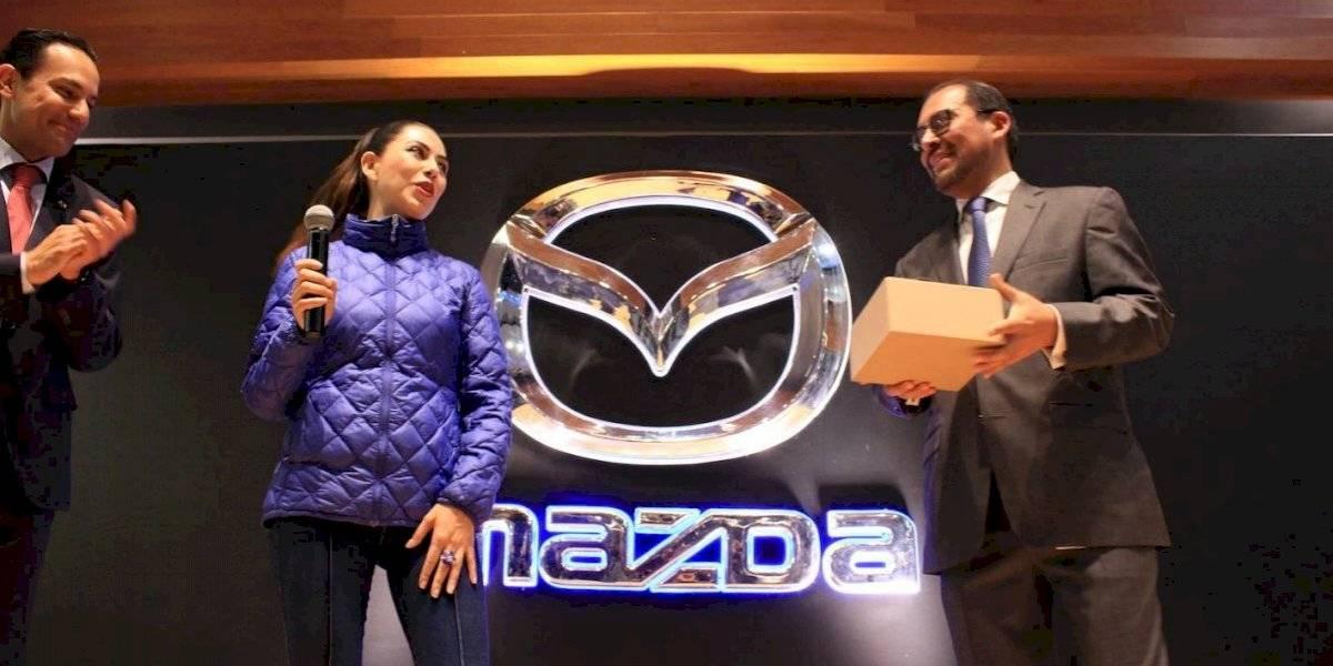 Mazda ha vendido 500 mil unidades en México y lo celebró con una increíble sorpresa para un cliente