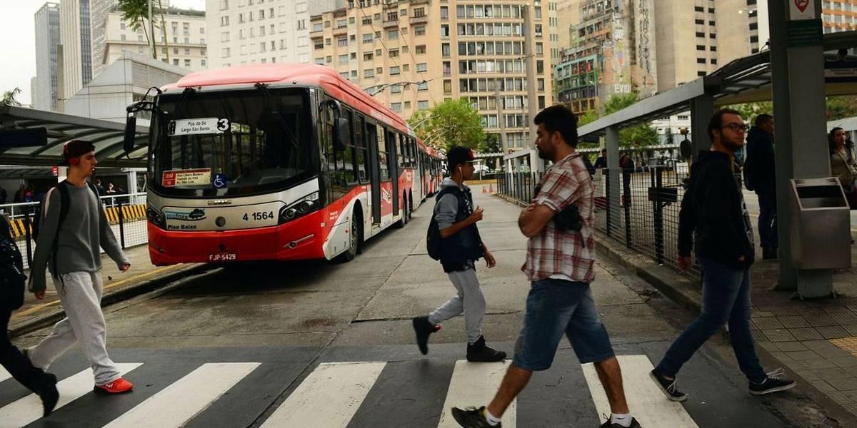 Em quarentena, São Paulo reduz pela metade frota de ônibus