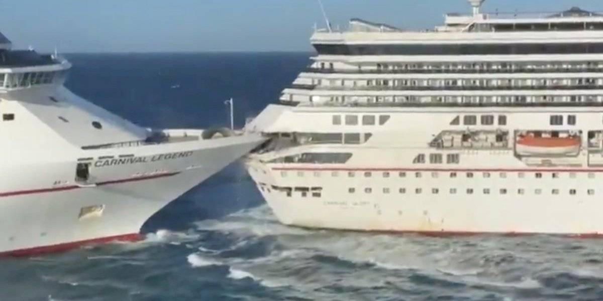 Chocan dos cruceros en Cozumel
