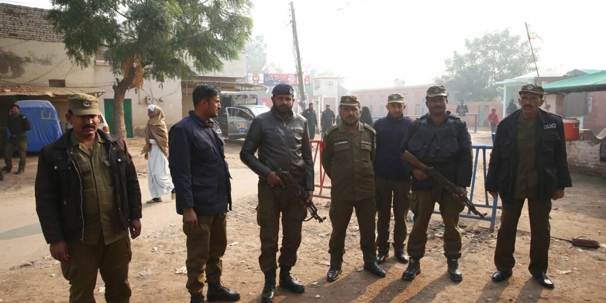 Pakistán condena a muerte a profesor musulmán por blasfemia