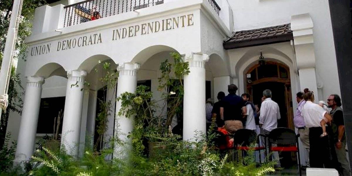 Coletazo por retiro de fondos de AFP: diputados Amar, Troncoso y Carter renuncian a la UDI