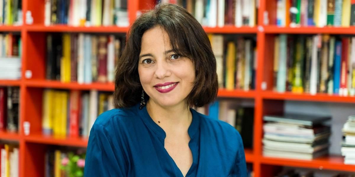 Escritora se alza con premio de literatura infantil