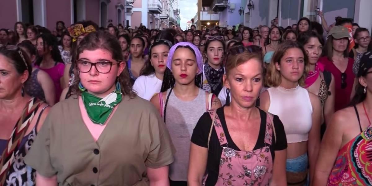 "Se torna viral perfomance de ""Un violador en tu camino"" frente a Fortaleza"