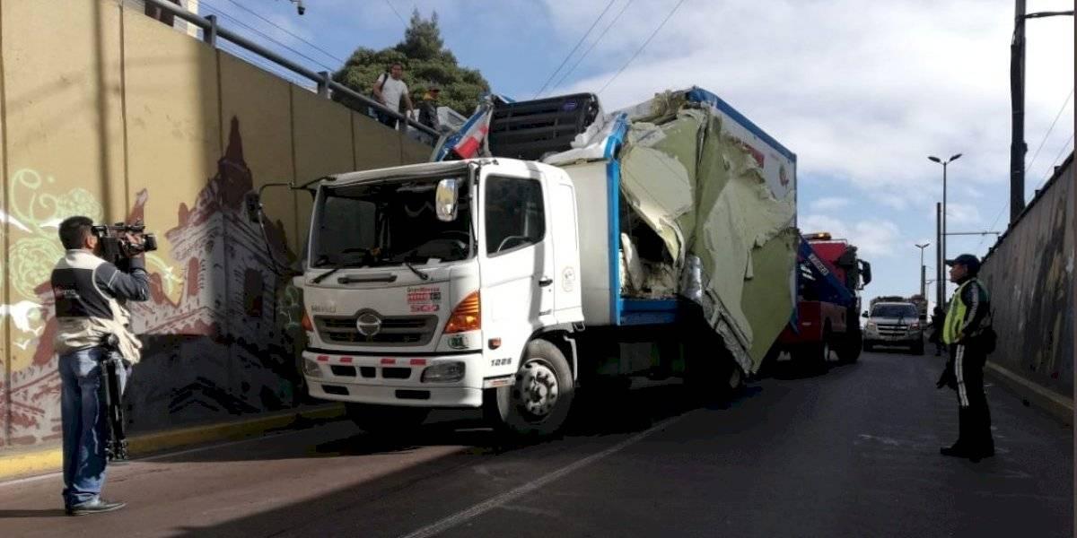 Dos vigas resultaron dañadas en impacto de camión contra el puente de San Blas