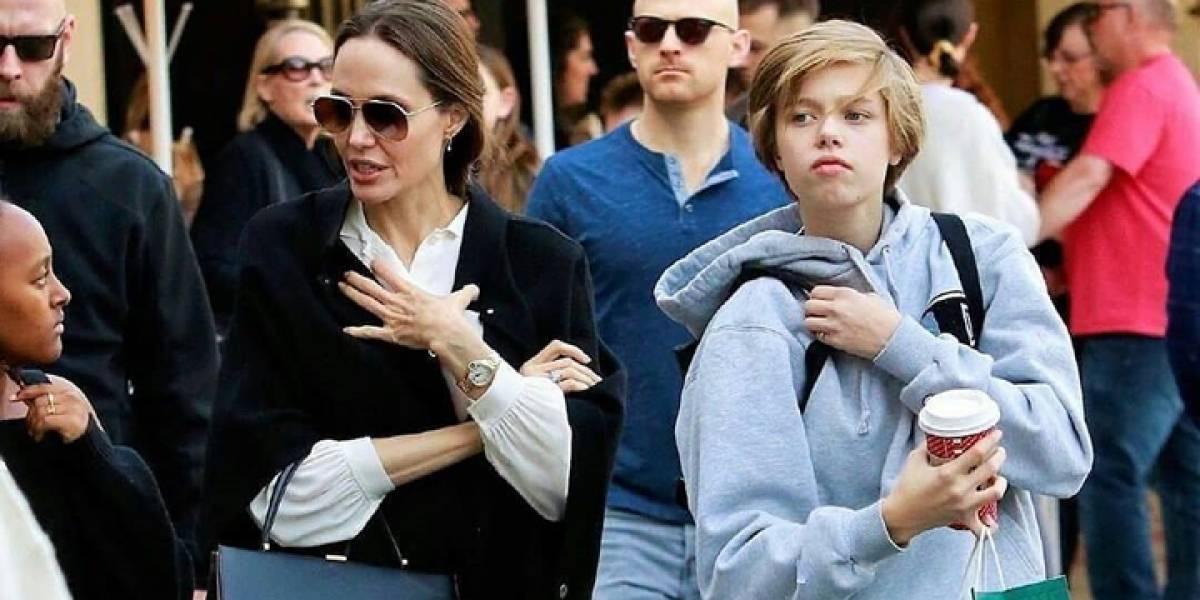 Shiloh, hijo de Angelina Jolie y Brad Pitt, ya casi está más alto que su mamá