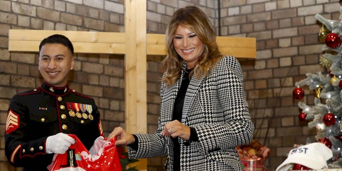 Con bajo perfil Melania Trump mientras continúa el proceso de residenciamiento