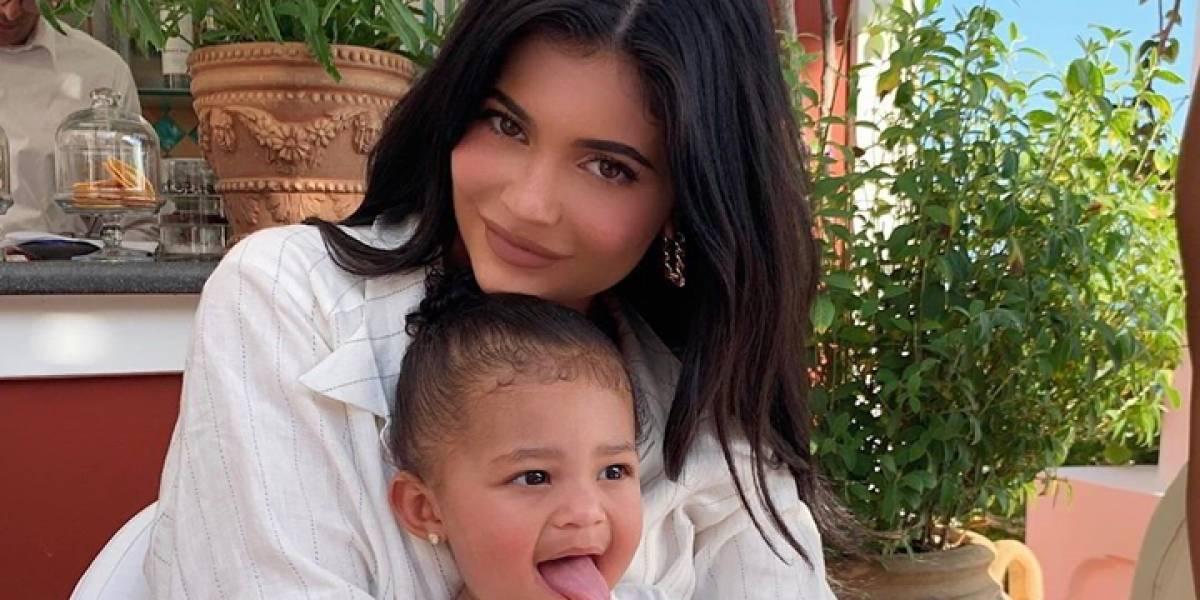 Hija de Kylie Jenner recibe un sorprendente regalo de Navidad