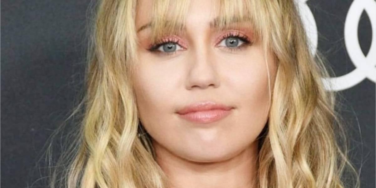 Miley Cyrus dedica triste canción de Navidad a todos los solitarios