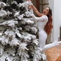 ¡Uy! El sensual traje con el que celebró Navidad Danna Paola de Élite
