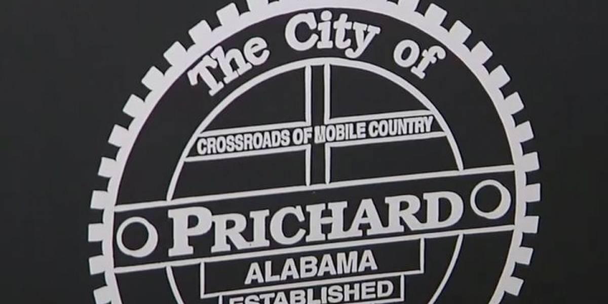 Etiquetan mal por error 10,000 zafacones de basura en Alabama