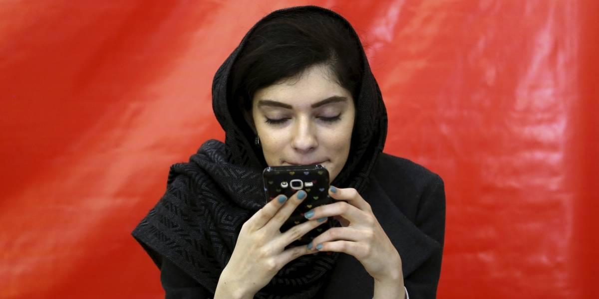 Reportes afirman que Irán bloquea el internet móvil en provincias