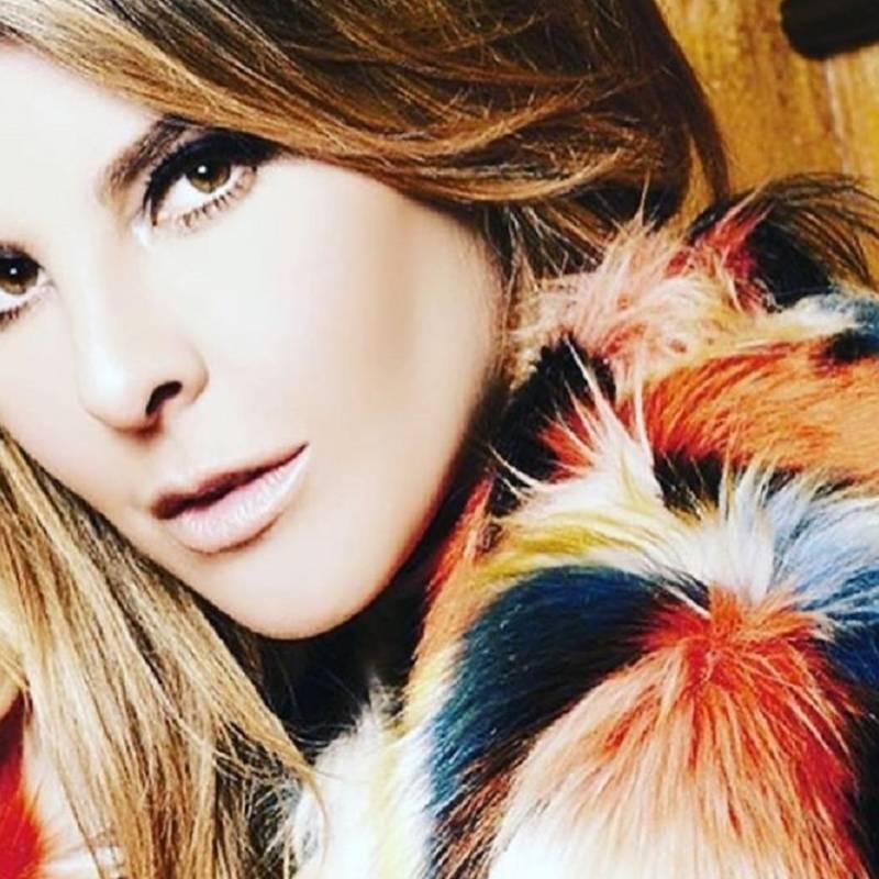 La cantante Kany García contrajo matrimonio con su pareja Jocelyn Trochez