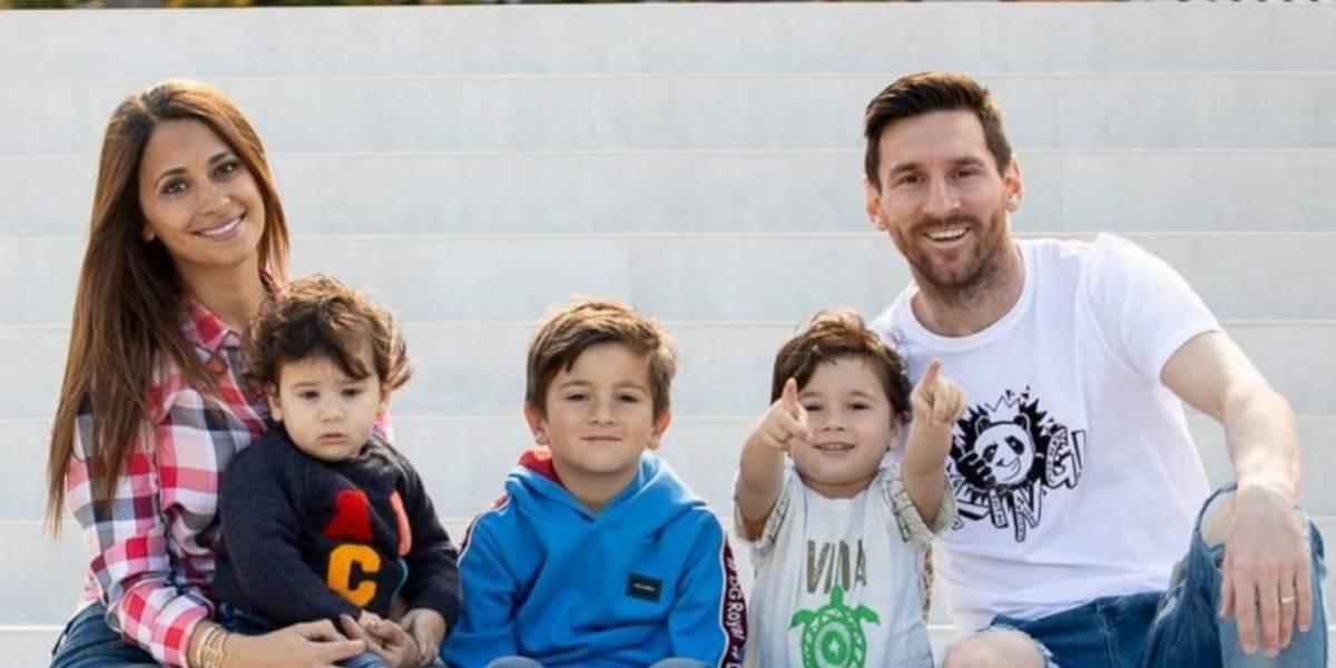 Messi y su familia causan sensación en las redes sociales por foto navideña