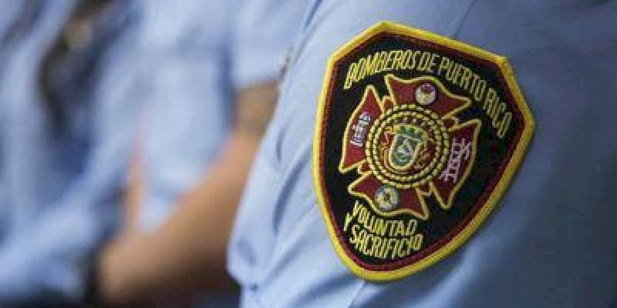 Dos personas resultan muertas tras incendio en catamarán