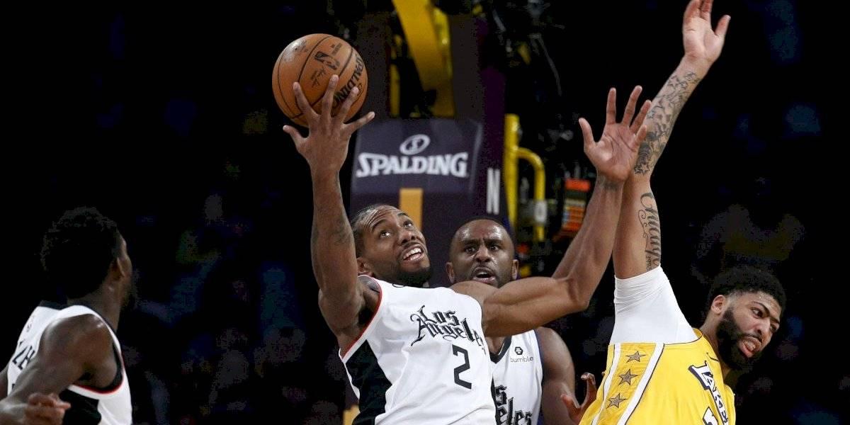Clippers derrotan los Lakers en Navidad