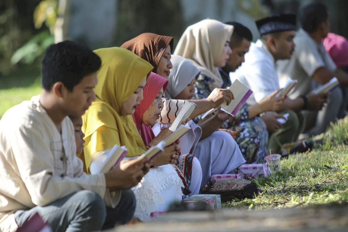 El recuerdo de la devastadora ola que arrasó aldeas enteras sigue vivo en Indonesia, donde aún se puede visitar algunos barcos que fueron arrastrados hasta cuatro kilómetros tierra adentro que han sido convertidos en museos.