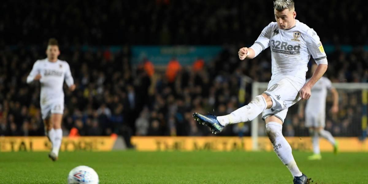 Leeds United rescató un empate en el Boxing Day con Marcelo Bielsa regalando chocolates