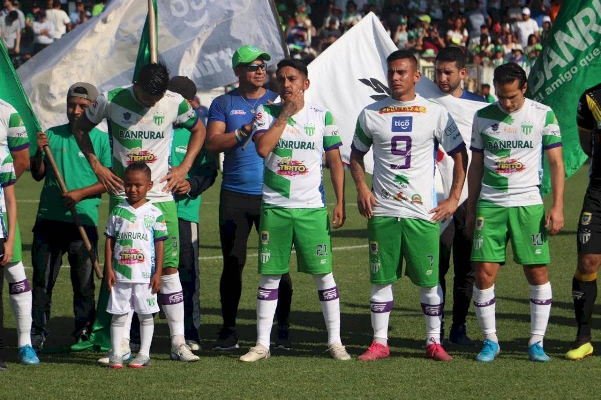 Rafael Lezcano salió con la playera de Anllel Porras