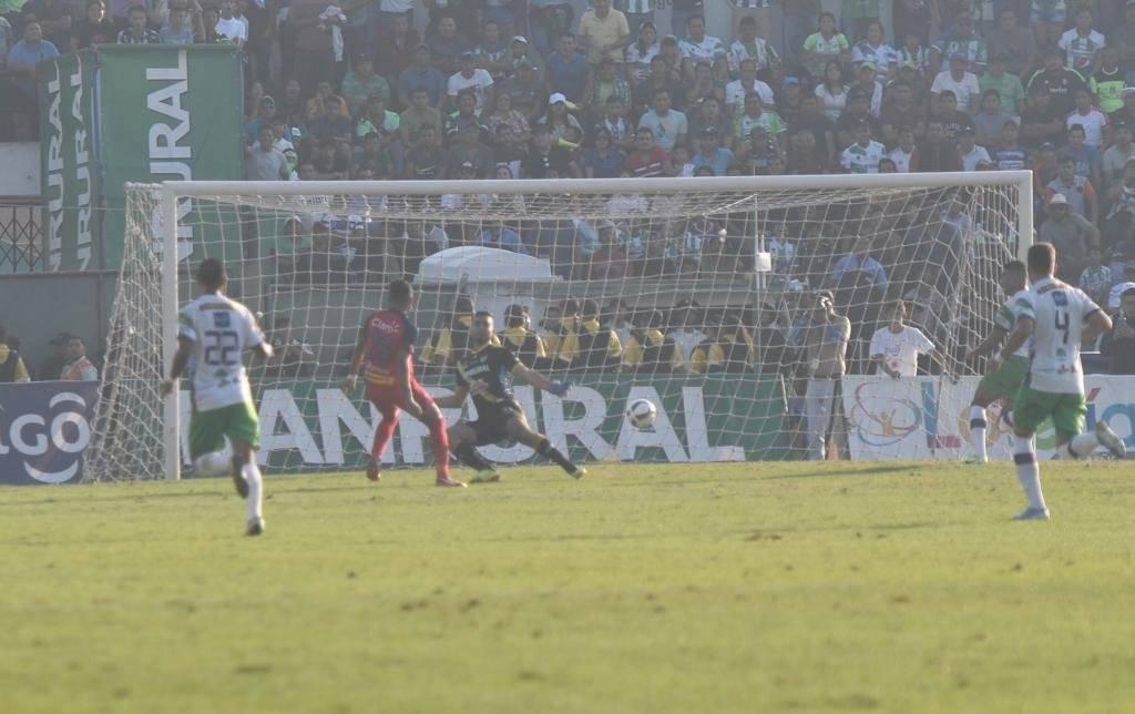 Rudy Barrientos anotó gol de victoria en la final