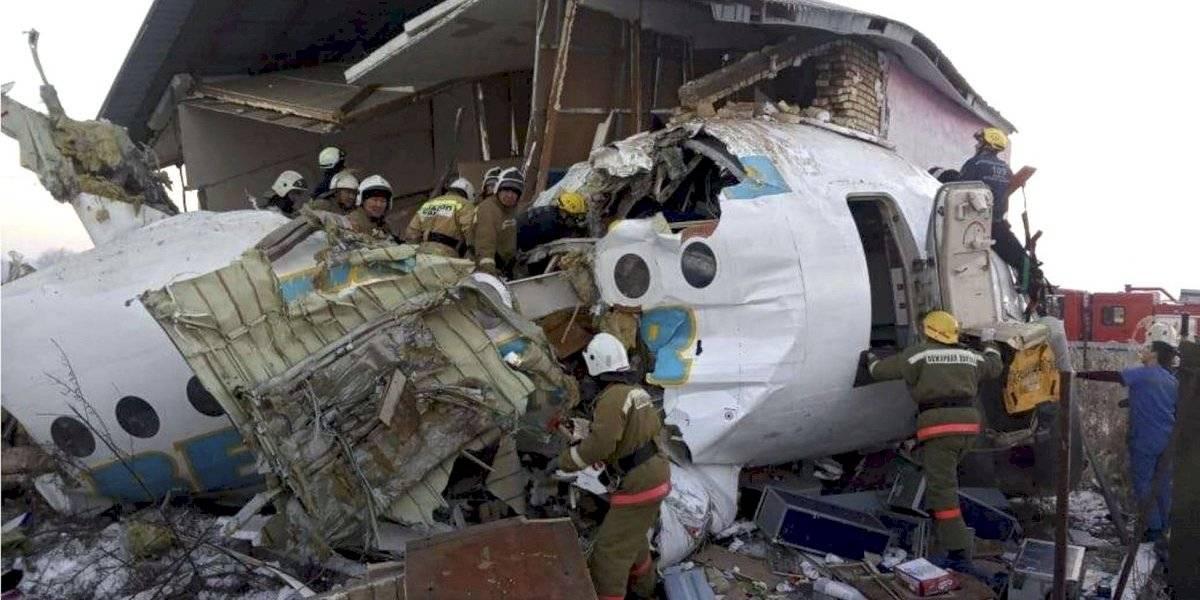 Se estrella avión en Kazajistán; hay 15 muertos
