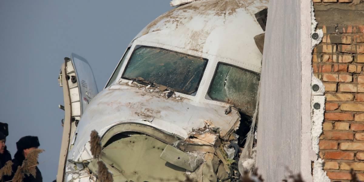 Sobreviviente de avión siniestrado en Kazajistán afirma que presintió el accidente
