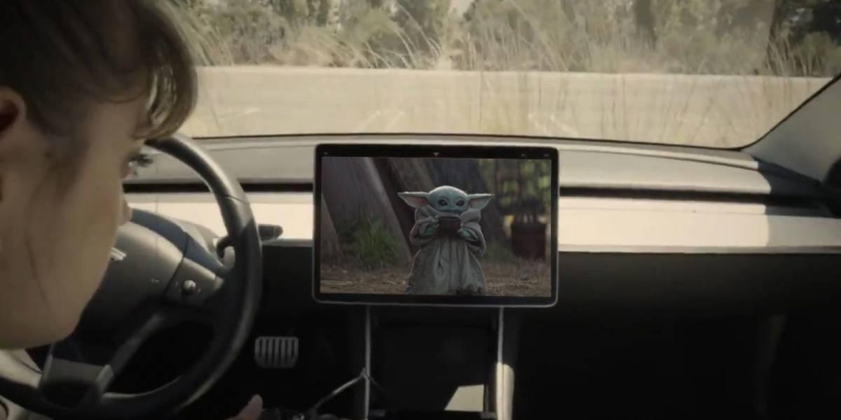 """Elon Musk anuncia que Baby Yoda y Disney+ podrán estar en Tesla """"muy pronto"""""""