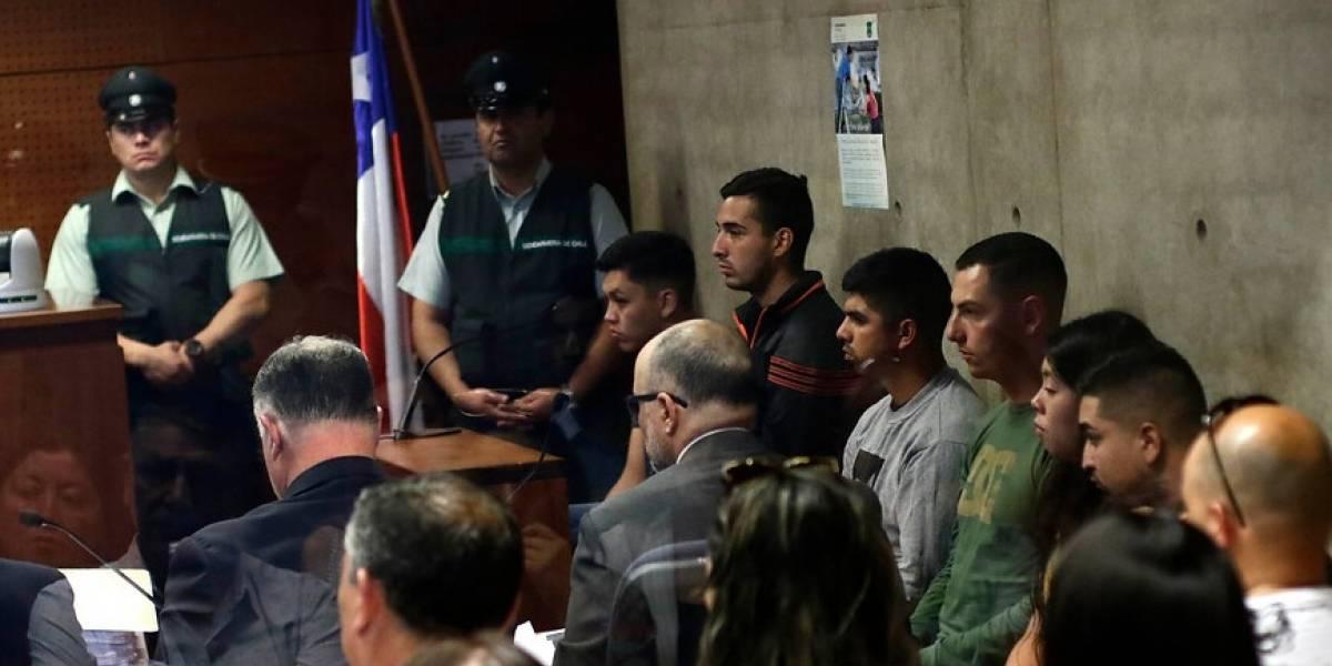 Prisión preventiva contra seis carabineros acusados de apremios y abuso sexual