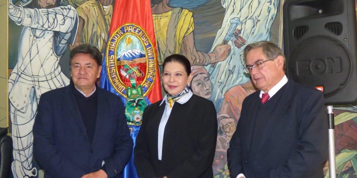 Embajadora de México sale de Bolivia en vuelo comercial