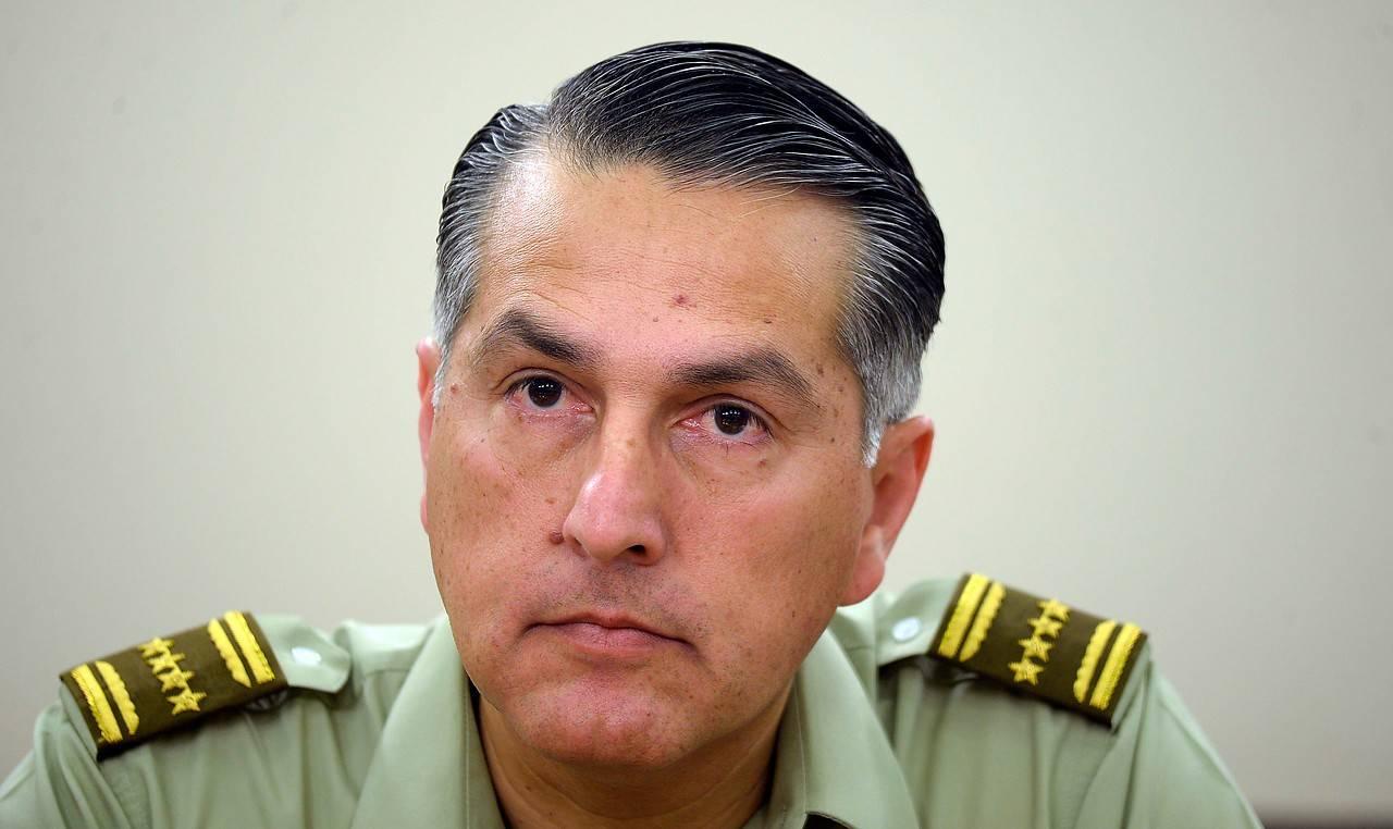 General de Carabineros Mario Rozas se querelló ante la justicia por filtración de datos en redes sociales