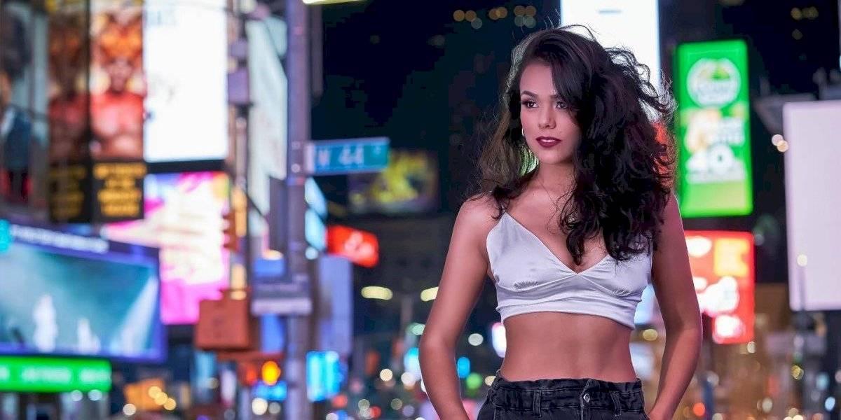 Topless y en hilo dental, ¡Virginia Argueta se despoja de su ropa en sensual foto!