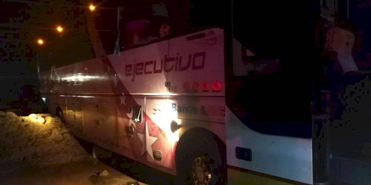 Derrumbe de rocas impactó a bus de pasajeros en la vía Baeza