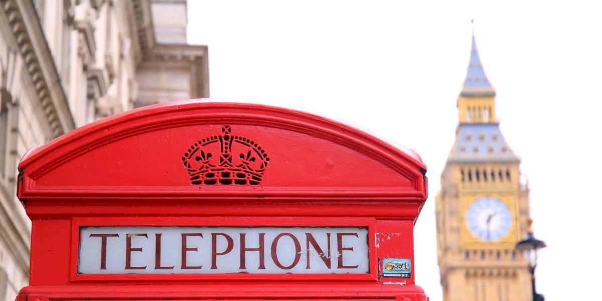 Funcionarios británicos publican por error direcciones privadas de artistas y políticos