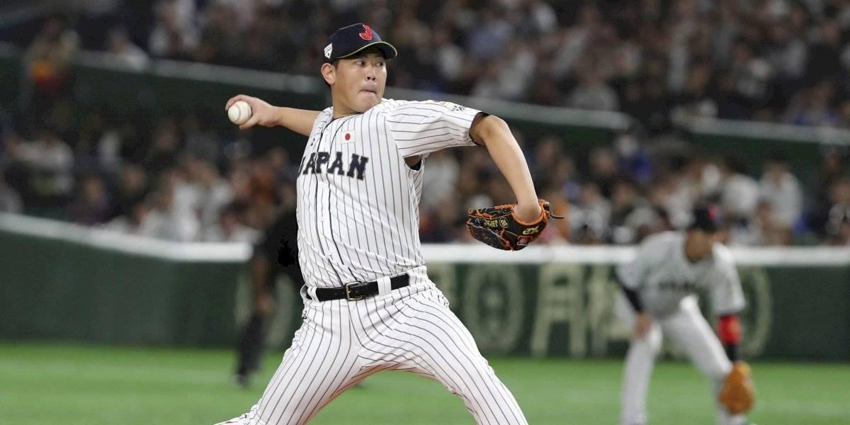 Azulejos pactan por 2 años con el pitcher japonés Shun Yamaguchi