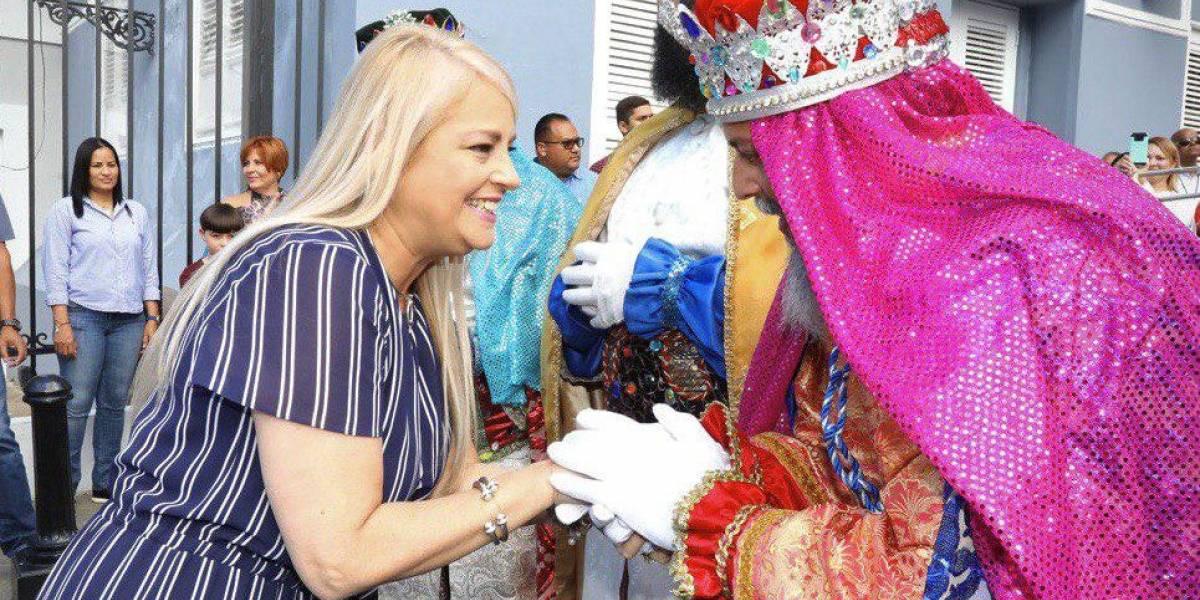 Gobernadora recibe a los Reyes Magos de Juana Díaz