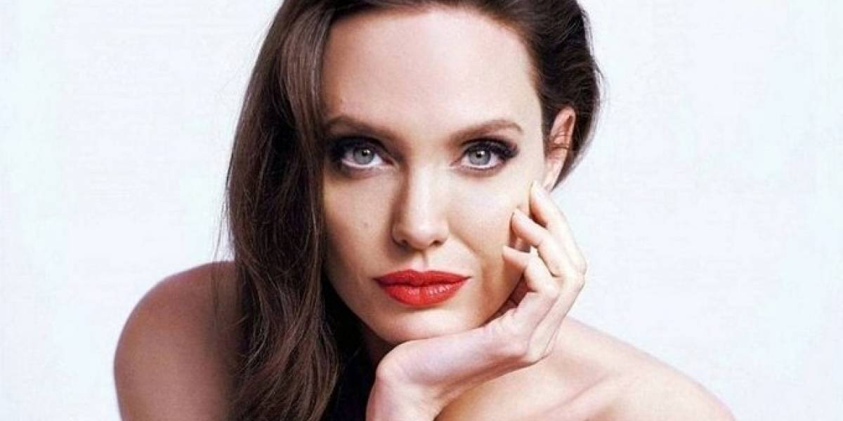 Se viraliza foto íntima de Angelina Jolie joven