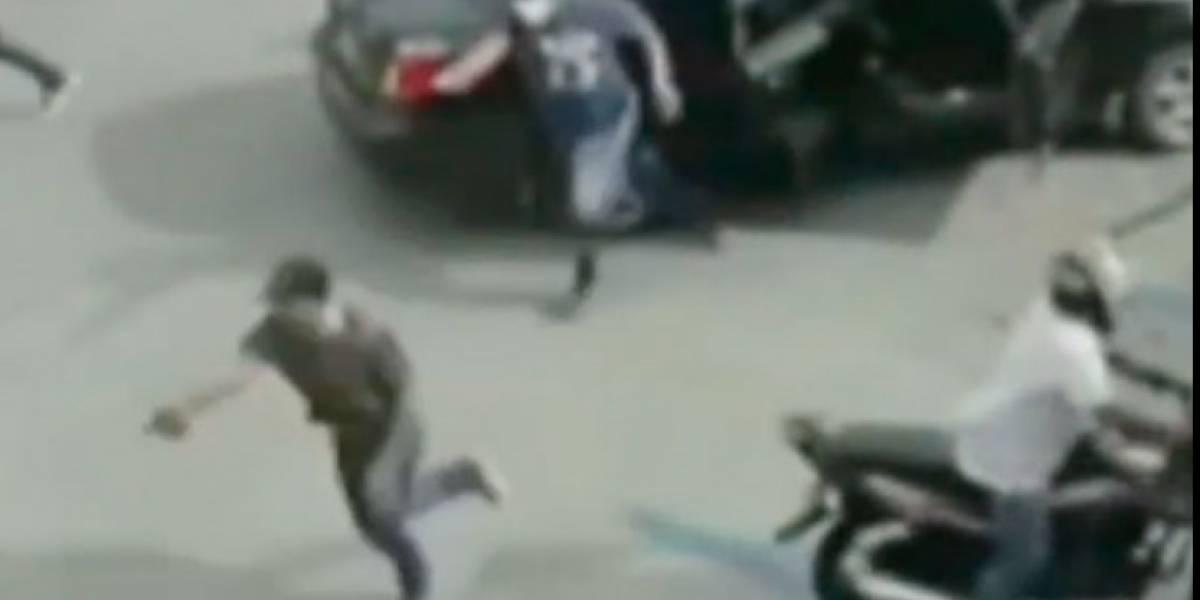En video quedó cómo robaron una estación de servicio en Soledad