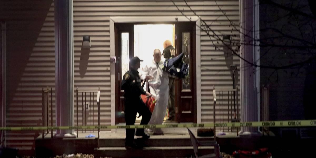 Hombre apuñala a 5 en casa de rabino en Nueva York