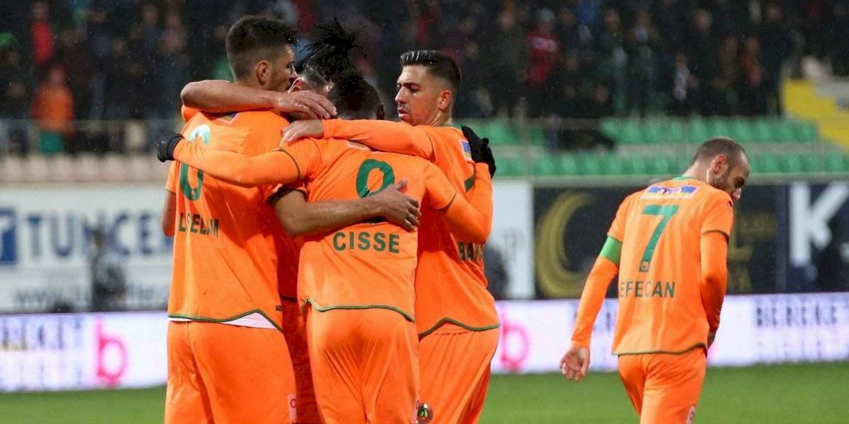 Junior Fernandes entregó asistencia en agónico triunfo del Alanyaspor en la liga turca