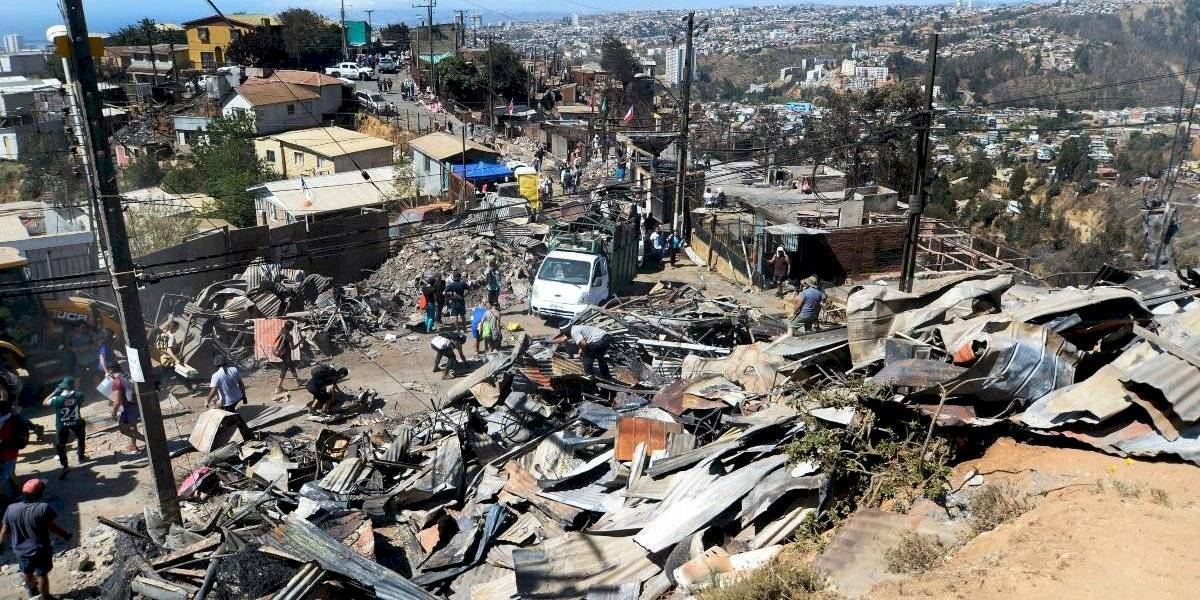Catastro por incendio en Valparaíso: 253 viviendas con pérdida total y otras 21 tienen daños
